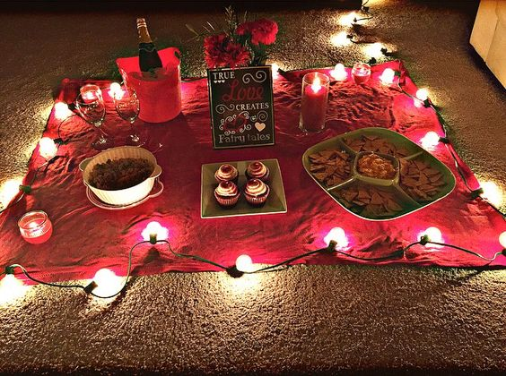 valentine's day ideas for college students - indoor picnic