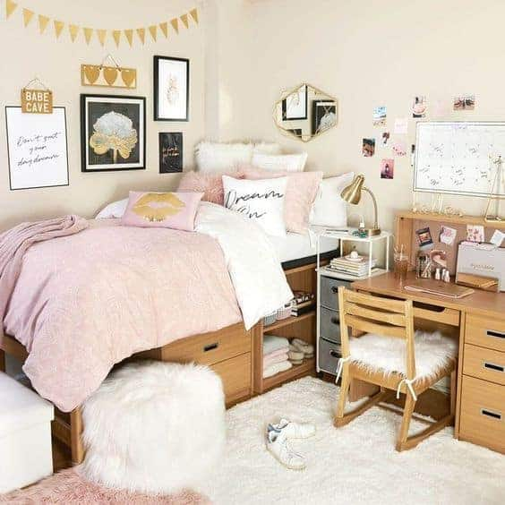 dorm room ideas - pink and gold