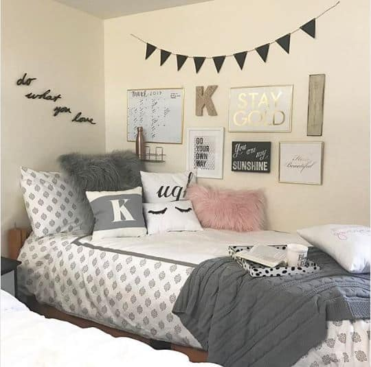 dorm room wall decor preppy girly