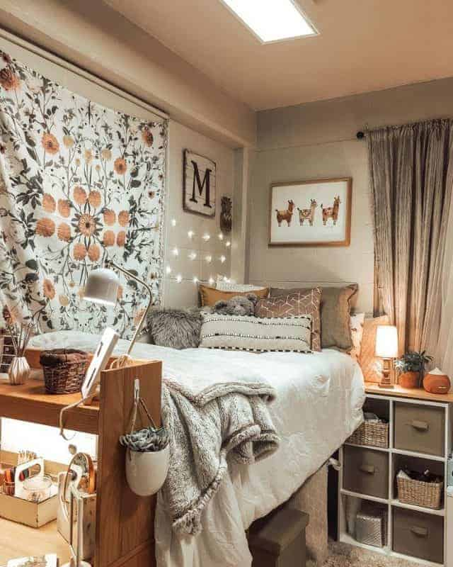 10 Amazing Dorm Room Wall Decor Ideas To Make Your Roommates Jealous The Metamorphosis