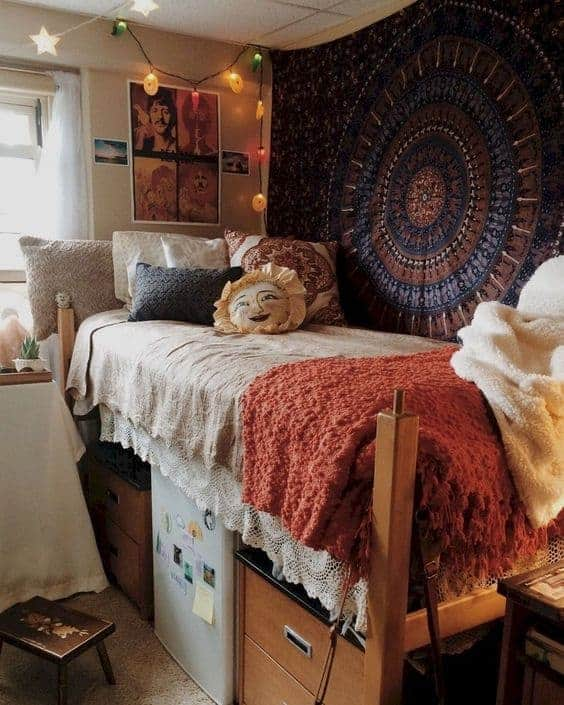 boho inspired dorm room