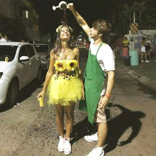 sunflower-and-gardener-halloween-costume-for-couples