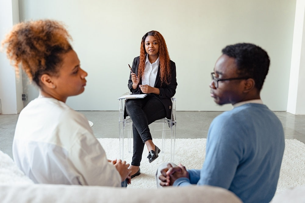 This is a couple undergoing a psychotherapy session.